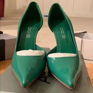 Aldo green pantent leather heels